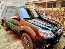 2nd Hand Ford Escape 2013 at 60000 km for sale
