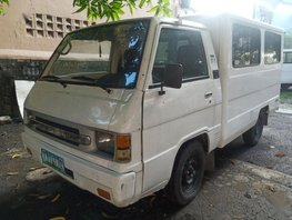 Selling Mitsubishi L300 2011 Manual Diesel in Quezon City