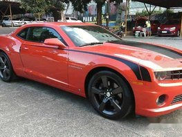 Selling Red Chevrolet Camaro 2010 at 1324 km