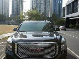 Selling Black Gmc Yukon 2015 Automatic Gasoline at 25000 km