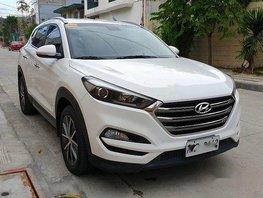 Sell White 2016 Hyundai Tucson Automatic Diesel at 28000 km