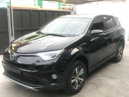 2nd Hand Toyota Rav4 2017 Automatic Gasoline for sale in Quezon City