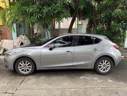 Selling Silver Mazda 3 2016 in Manila