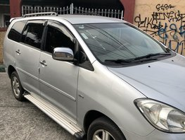 Selling Used Toyota Innova 2008 at 100000 km