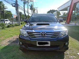 Selling 2nd Hand Toyota Fortuner 2014 Manual in Pasay