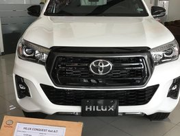 Selling Brand New White Toyota Hilux 2019 in Metro Manila