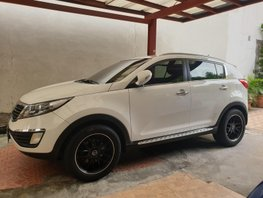 White Kia Sportage 2012 at 48000 km for sale in Quezon City