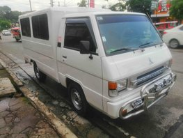 Selling White Mitsubishi L300 2008 Van in Quezon City