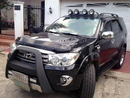 2nd Hand Toyota Fortuner 2009 at 70000 km for sale