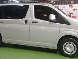 Selling Toyota Hiace 3.0 Commuter 2019 in Mandaluyong