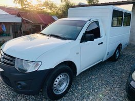 Sell White 2013 Mitsubishi L300 Manual Diesel