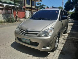 2nd Hand Toyota Innova 2009 at 75000 km for sale