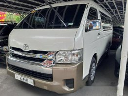 Sell White 2017 Toyota Hiace at 18000 km