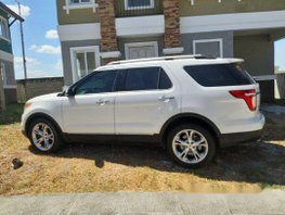 Sell White 2014 Ford Explorer Automatic Gasoline