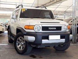 Sell White 2015 Toyota Fj Cruiser Automatic Gasoline at 58000 km in Makati