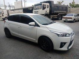 Selling White Toyota Yaris 2016 Hatchback Automatic Gasoline in Manila