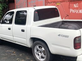 White Toyota Hilux 2001 Manual for sale in Las Pinas