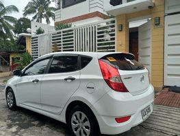 Selling White Hyundai Accent 2015 Hatchback Automatic Diesel at 47000 km