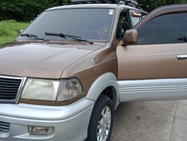 Selling 2nd Hand Toyota Revo 2002 at 100000 km in Las Pinas