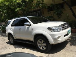 Sell White 2010 Toyota Fortuner at 112290 km in Metro Manila