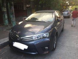 Selling Black Toyota Corolla Altis 2017 Automatic Gasoline at 27000 km