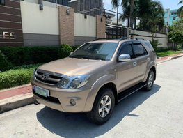 Beige 2006 Toyota Fortuner Automatic Gasoline for sale