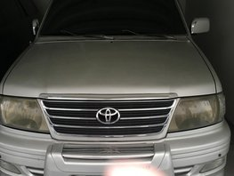 Selling 2nd Hand Toyota Revo 2005 Automatic Gasoline