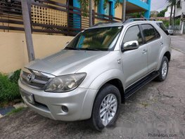 Selling Silver Toyota Fortuner 2007 at 97000 km