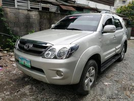 Selling Toyota Fortuner 2005 at 75000 km