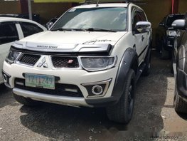 Selling White Mitsubishi Montero 2011 Automatic Diesel at 39000 km