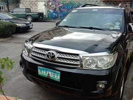 Black Toyota Fortuner 2010 for sale in Makati