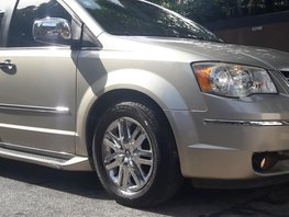 2009 Chrysler Town And Country for sale in Davao City