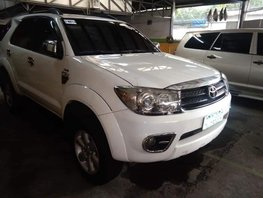 Toyota Fortuner 2009 at 100000 km for sale