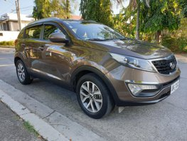 Selling Brown Kia Sportage 2015 Diesel Automatic at 50000 km