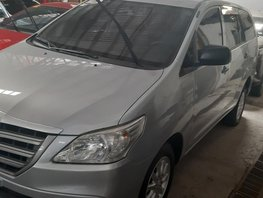 Selling Used Toyota Innova 2015 Automatic at 22000 km