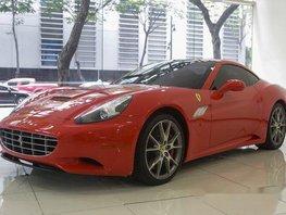 Sell Red 2013 Ferrari California Automatic Gasoline at 4000 km