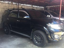 Selling Black Toyota Fortuner 2015 Automatic Diesel at 46000 km
