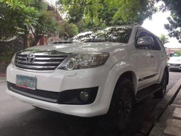 Selling White Toyota Fortuner 2010 Automatic Diesel at 80000 km