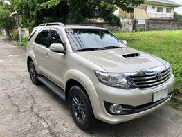 Selling Beige Toyota Fortuner 2015 at 39341 km