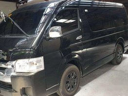 Selling Black Toyota Hiace 2018 Manual Diesel