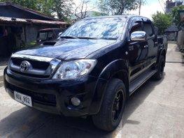 Black Toyota Hilux 2010 Truck for sale in Manila