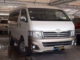 Selling White Toyota Hiace 2013 Automatic Diesel at 47000 km