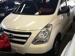 Selling White Hyundai Starex 2017 Van in Manila
