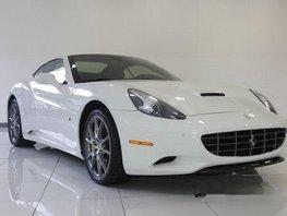 Selling White Ferrari California 2012 in Quezon City