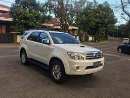 White Toyota Fortuner 2010 Automatic Diesel for sale