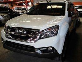 Selling White Isuzu Mu-X 2017 Automatic Diesel