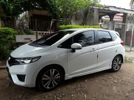 Sell White 2015 Honda Jazz at 23000 km