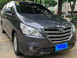 Grey Toyota Innova 2014 at 59000 km for sale