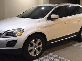 Sell White 2010 Volvo Xc60 Automatic Gasoline at 35000 km