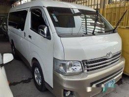 Selling White Toyota Hiace 2013 at 59000 km